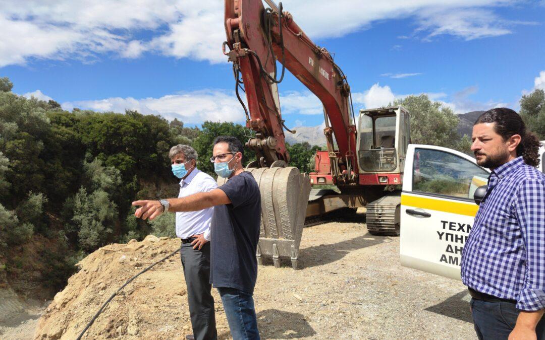 Αυτοψία του Δημάρχου Αμαρίου σε υπό εξέλιξη έργα οδοποιίας